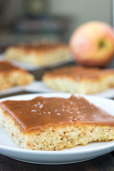 caramel_apple_sheet_cake_pipercooks-91
