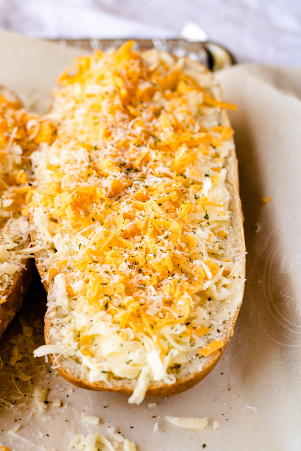 Cheesy Garlic Bread - PiperCooks