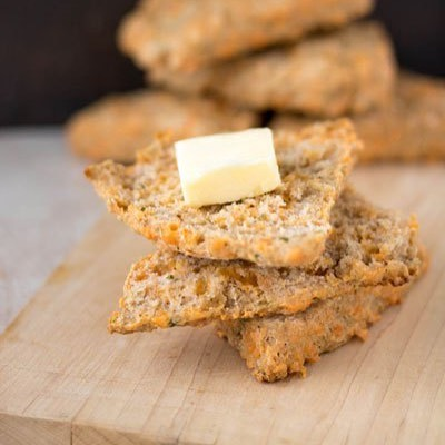 Cheesy Chive and Cayenne Scones | Pipercooks