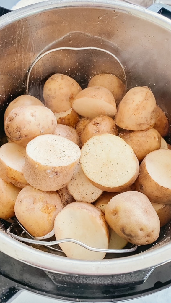 sliced potatoes in the instant pot insert