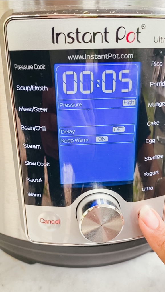 Setting the Instant Pot to pressure cook for 5 minutes